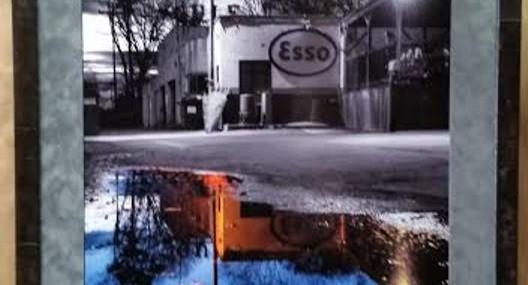 Frame Esso Club Photograph!